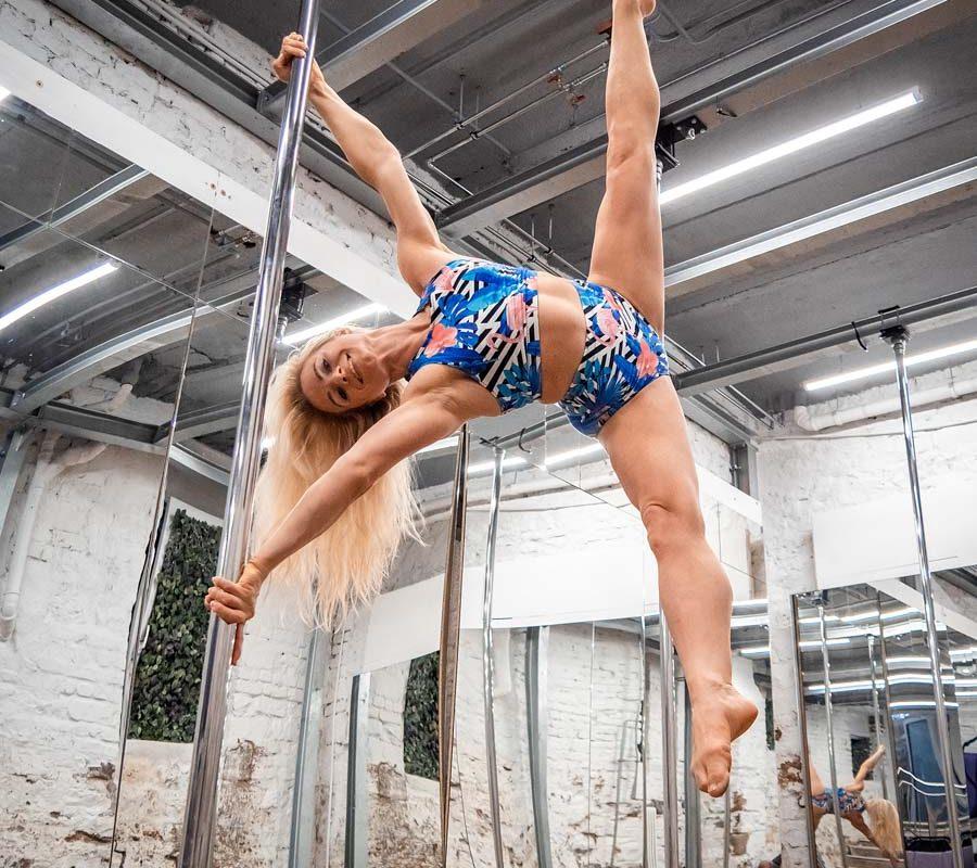 Poledance-Lea-Roth